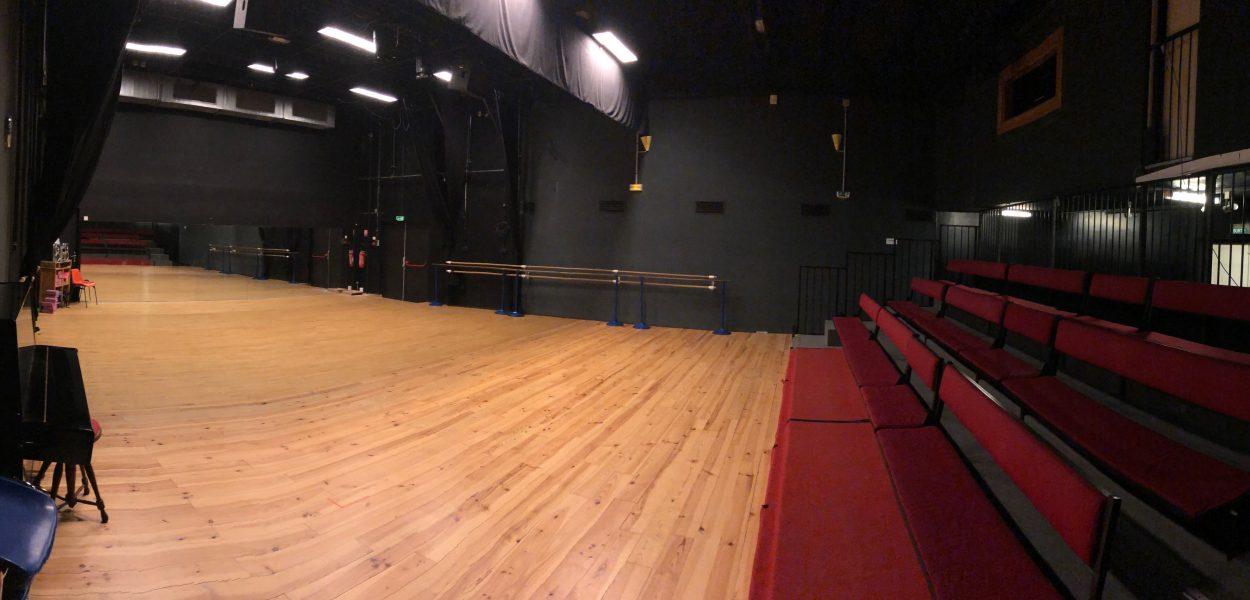 Salle Théâtre 410 - 3.ND